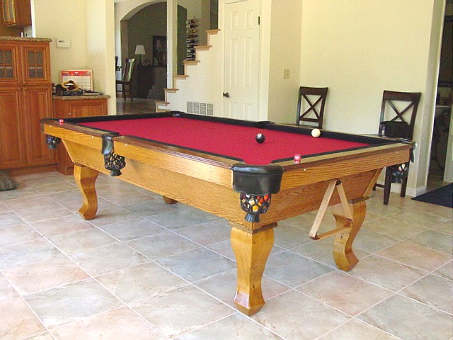 Stinger Pool Table With Dark Oak Over Golden Oak Finish - Pool table rail caps
